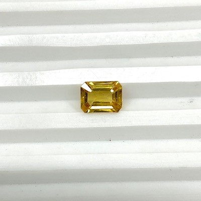 YS-1 Yellow Sapphire Octagon cut with heated and treatment Gemstone - 2.53 cts
