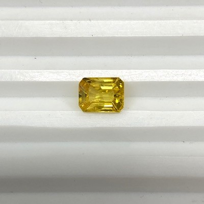 YS-3 Yellow Sapphire Octagon cut with heated and treatment Gemstone - 2.04 cts